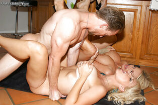 Groupsex with  ash-blonde cougars feat chesty Charlle