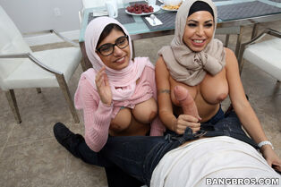 Immense udders Indian dickblowers Julianna Vega and Mia..