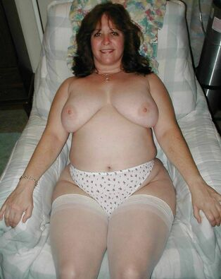 Stellar jokey wifey with ample thighs in milky pantyhose