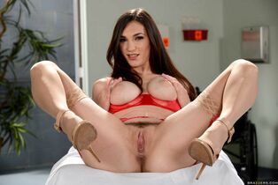 doctor's Whore-ders Holly Michaels beaver closeup
